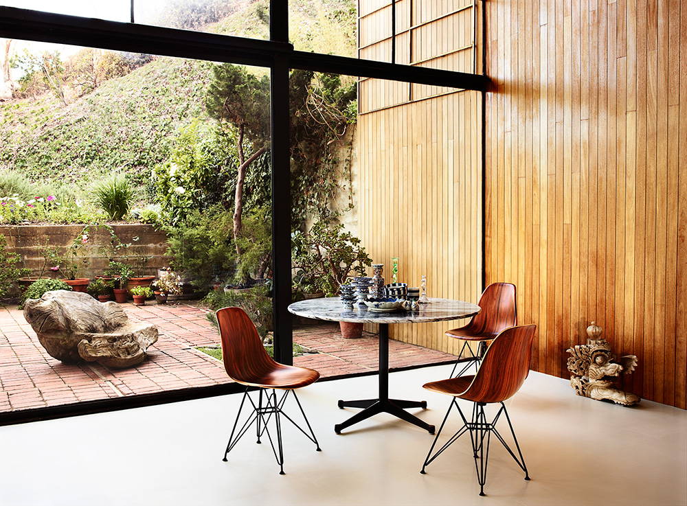 Exceptionnel Eames Molded Wood Side Chair